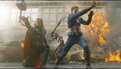 Thor & Captain America fight aliens